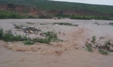 البحث عن 3 مفقودين بطبريا والتحذير من فيضانات بالجنوب