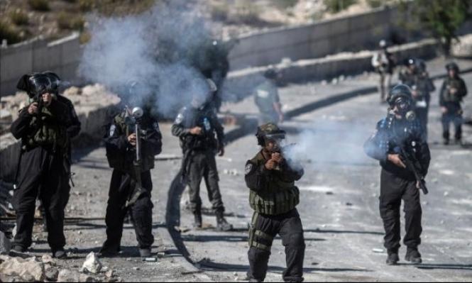 24 حالة اختناق في أبو ديس بمواجهات مع الاحتلال