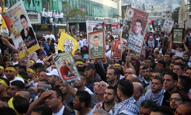 1300 أسير يشرعون بإضراب مفتوح عن الطعام