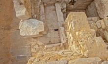 الكشف عن مقبرة فرعونية تحتوي على عدد من المومياوات والتماثيل