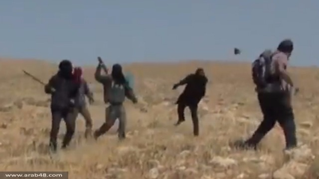 مستوطنون يهاجمون مزارعين فلسطينيين ونشطاء سلام إسرائيليين