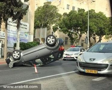 إصابتان في انقلاب سيارتين في دير حنا وحيفا