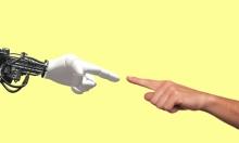 ابتكار يد صناعية تستجيب للحدس بسرعة وتلقائية