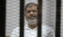 مرسي يطلب لقاء أهله ويشكو مخاطر على حياته