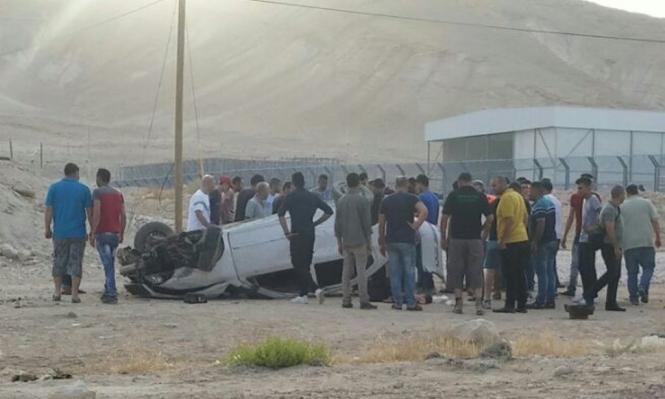 الأغوار: مصرع شابة وطفلة فلسطينيين بانقلاب سيارة