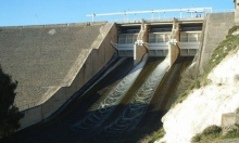 النظام يصعد حصار حمص ويسحب المياه من ريفها