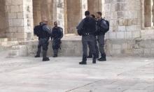 شرطة الاحتلال تعتقل وتعتدي على حراس المسجد الأقصى