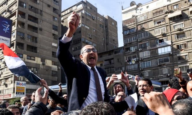 """إحالة خالد علي للمحاكمة بتهمة """"فعل فاضح في الطريق العام"""""""