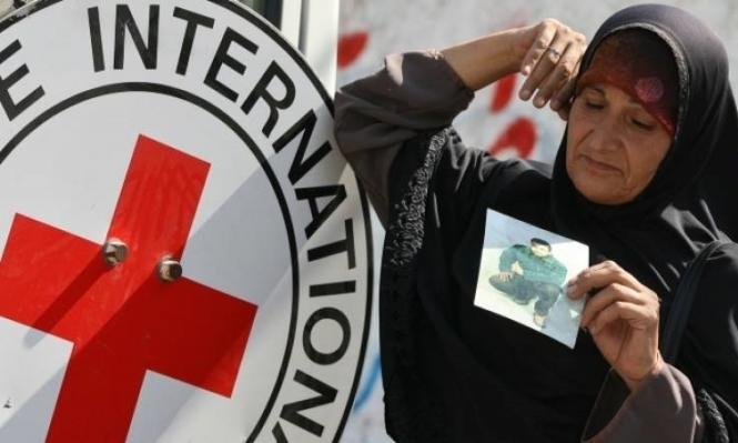 الصليب الأحمر: دخل الأسرى المرحلة الخطرة