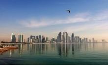 الإمارات تحذر من التعاطف مع قطر وتمنع القطريين من السفر عبرها