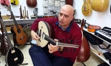 بيتر نعمة: اللبناني الذي يعزف على 46 آلة موسيقية!
