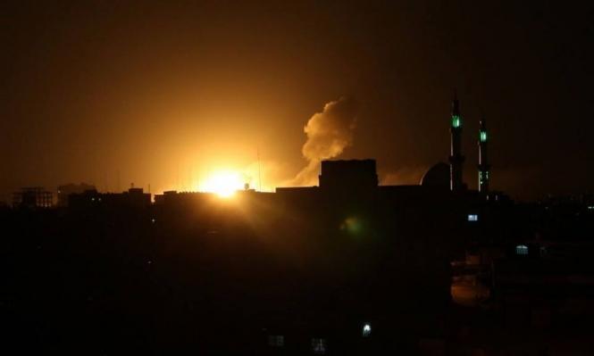 الاحتلال يقصف غزة وحماس تحذر من التمادي بالعدوان
