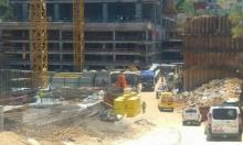 مصرع عامل في ورشة بناء وسط البلاد