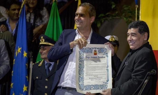 دييغو مارادونا: المواطن الفخري لمدينة نابولي الإيطالية