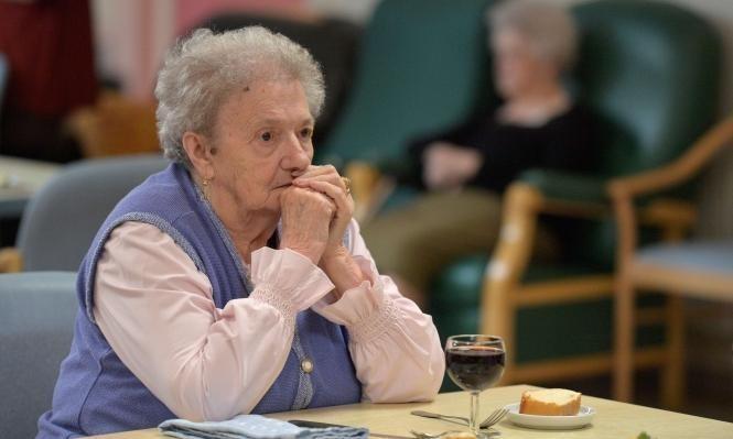دراسة أميركية: ما الذي من الممكن أن تفعله برامج الرعاية لمرضى الزهايمر؟