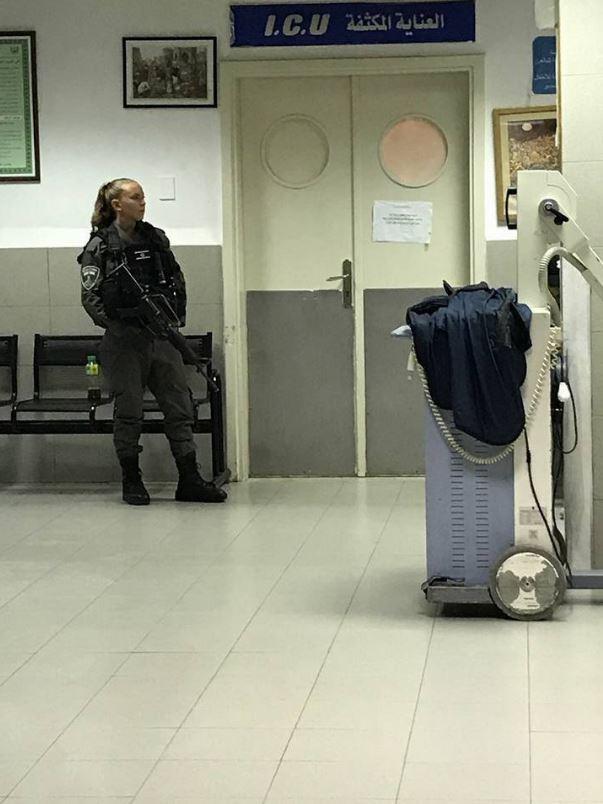 القدس: الاحتلال يحاصر فتى جريحا بغرفة الإنعاش