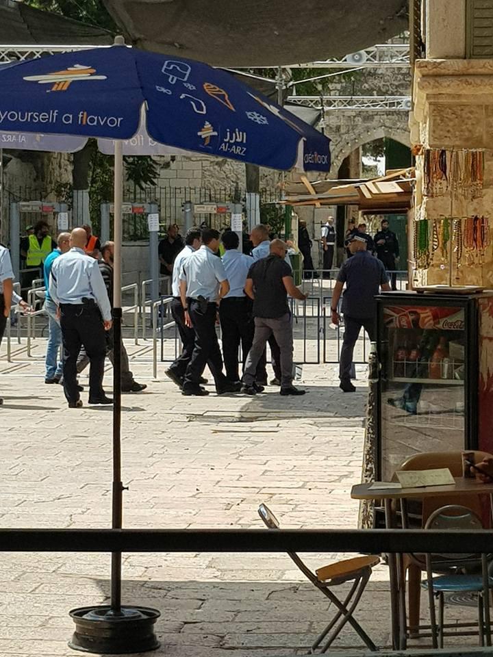 ألشيخ يقتحم البلدة القديمة والمرجعيات المقدسية تصر على رفض البوابات