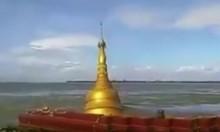 بالفيديو: غرق معبد بوذي بمياه الفيضانات في بورما