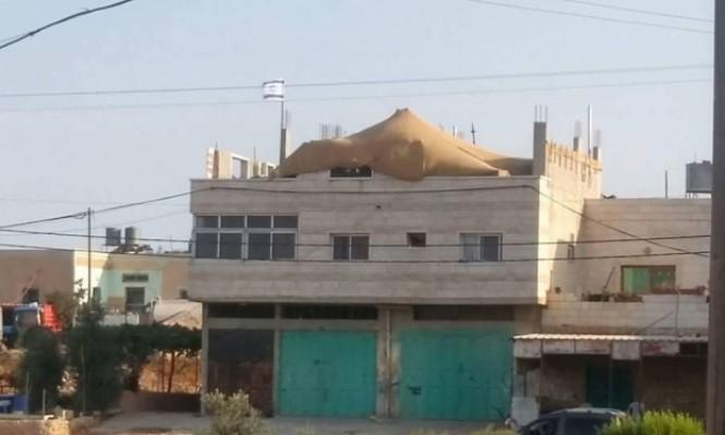 الخليل: المستوطنون دخلوا منزل عائلة أبو رجب أمام ناظري الجنود
