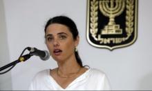 شاكيد: نتنياهو ليس ملزما بالاستقالة بعد لائحة اتهام ضده