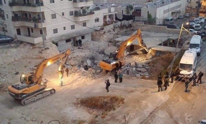 الاحتلال يهدم ويغلق 4 منازل لعائلات منفذي عمليات