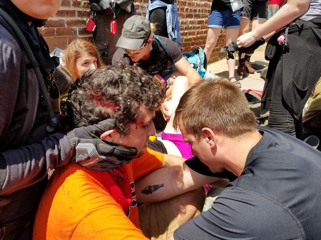 قتيل وجرحى بعملية دهس لمتظاهرين بولاية فرجينيا