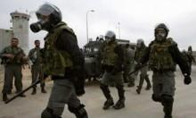 قوات الاحتلال تقتحم سجن ريمون وتنقل 120 أسيرا لسجون أخرى