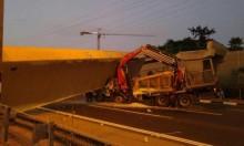 للمرة الثالثة خلال أسبوع: شاحنة تصدم جسرا