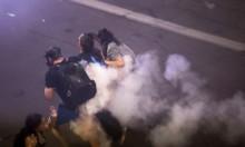 الشرطة تستخدم العنف لتفريق محتجين ضد ترامب