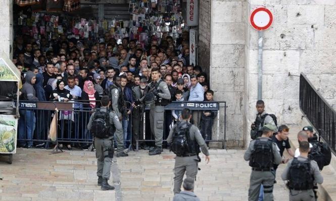 الاحتلال يبعد مئات المقدسيين عن البلدة القديمة والأقصى