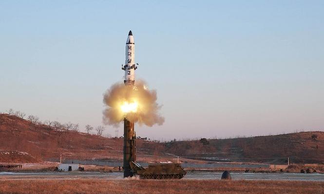 كوريا الشمالية تطلق صاروخا حلق فوق اليابان