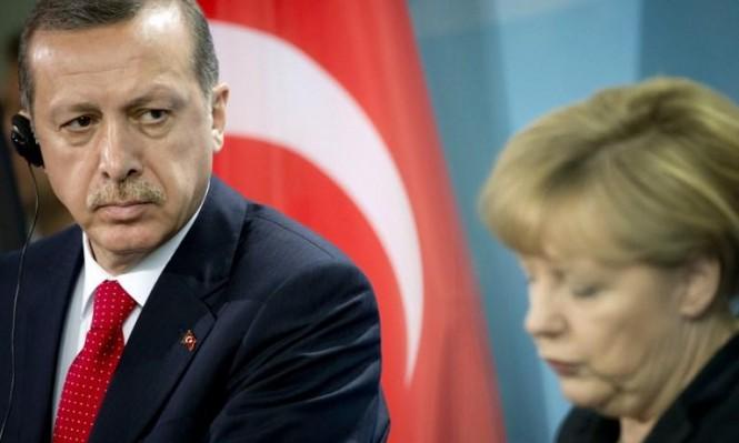 ميركل تتعرض للانتقادات لرفضها ضم تركيا للاتحاد الأوروبي