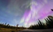 """""""الشفق الشمالي"""" ينير سماء فنلندا"""