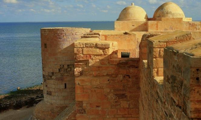 السياحة التونسية تنتعش وتتخطى الإرهاب