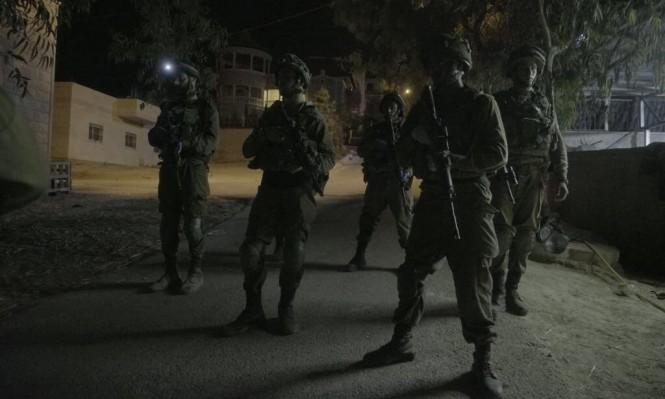 استشهاد أسير والاحتلال يعتقل 80 فلسطينيا خلال أسبوع