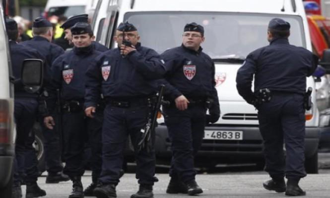 فرنسا: رجل يهاجم امرأتين بمطرقة
