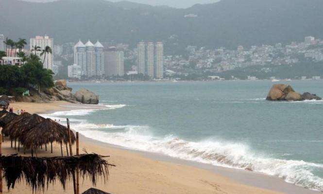 """إعصار """"ماكس"""" يصل إلى ساحل المكسيك الغربي"""