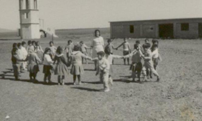 وفي المكان أشلاء أطفال مبعثرة وأقلام رصاص ودفاتر يغطيها السواد