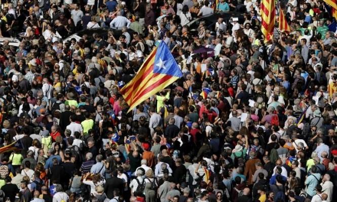 كاتالونيا: اعتقالات ومداهمات إدارات حكومية منعًا لاستفتاء الانفصال
