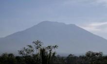 أندونيسيا: فرار الآلاف بعد تحذيرات من ثوران بركان