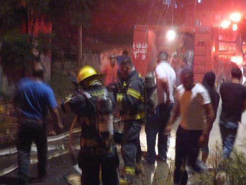 ألسنة النار تلتهم مصنعا في برطعة