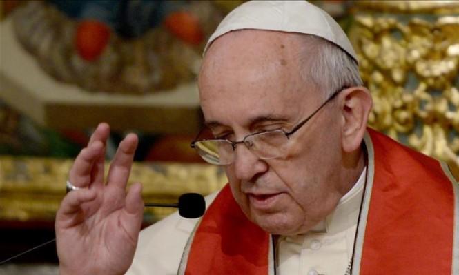 """رجال دين كاثوليك يتهمون بابا الفاتيكان بنشر """"البدع"""""""
