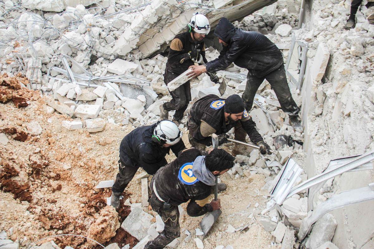 لليوم الثامن: ضحايا بالعشرات بقصف إدلب وريف حماة