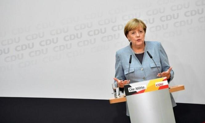 ألمانيا منقسمة وميركل تبحث عن شركاء للحكم
