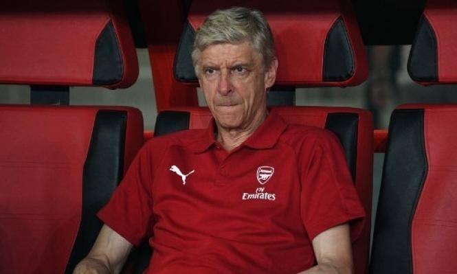 فينغر ينوي إبرام صفقة من مانشستر يونايتد