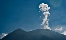 إجلاء نحو 100 ألف إندونيسي قبيل إنفجار أحد البراكين