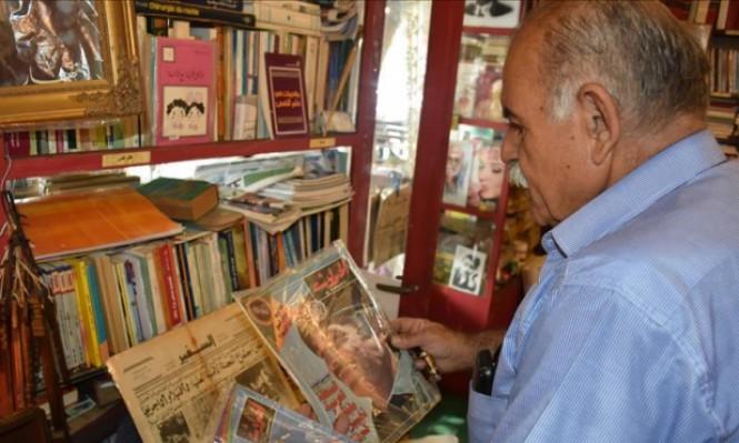 لبناني يحول بقالته التي ورثها عن والده إلى مكتبة عامة