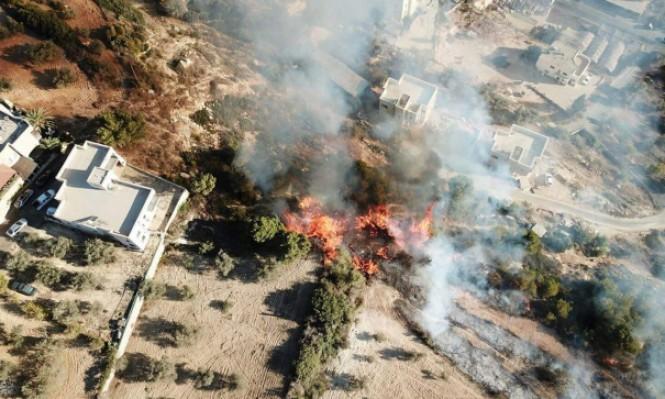 إخلاء منازل في يركا بأعقاب حريق بأحراش
