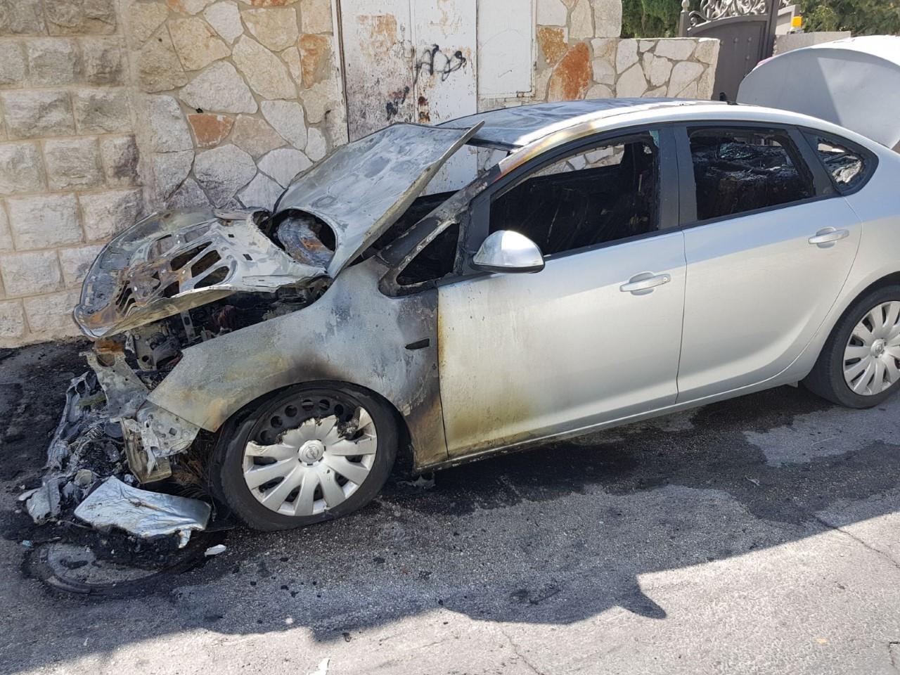 البعنة: إضرام النار في سيارة مواطن