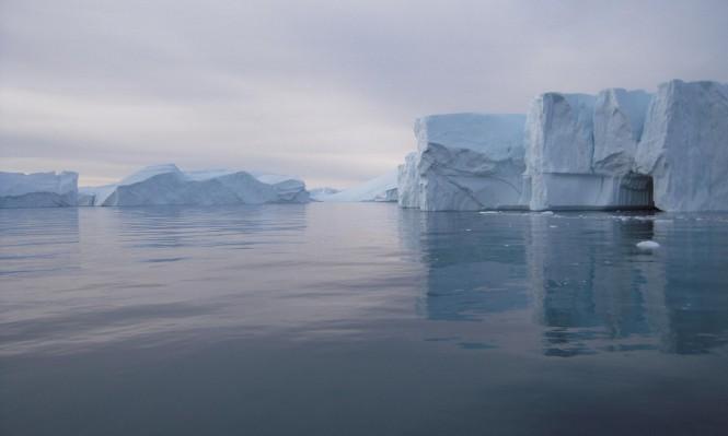 القطب الشمالي يواجه خطر الذوبان وأطماع دولية حوله
